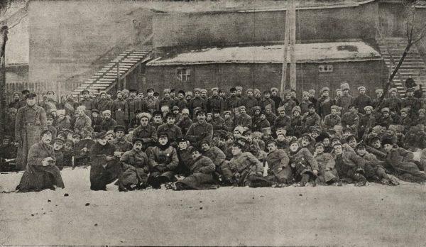Do napaści na Żydów dochodziło często w związku z obwinianiem ich o probolszewickie sympatie. Tak samo było w Lidzie. Na zdjęciu z 1919 roku bolszewicy z Wileńszczyzny.
