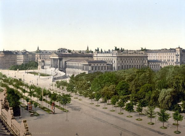 Budynek wiedeńskiego parlamentu na pocztówce z ok. 1900 roku