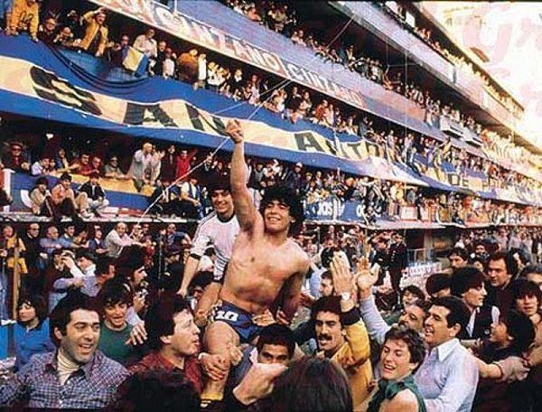 Diego Maradona był na szczycie, jednak uzależnienie od narkotyków doprowadziło go do bolesnego upadku.