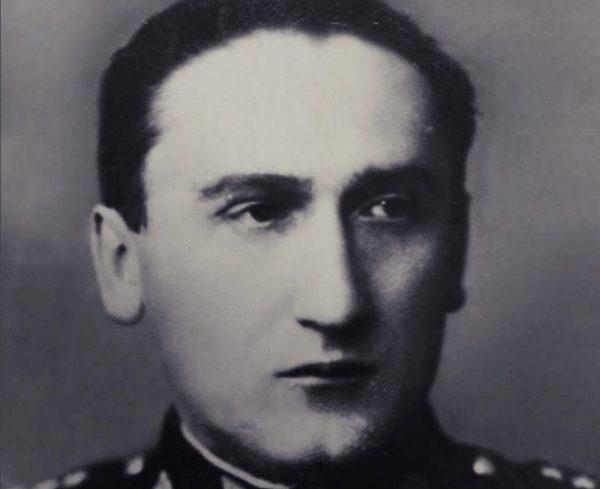 """Kapitan Jan Żychoń, to on dał zielone światło operacji """"Wózek""""."""