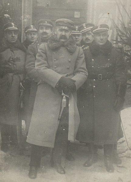 Piłsudski chętnie korzystał z talentów Bałachowicza, jednocześnie nazywał go bandytą.