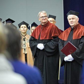 Wręczenie prof. Timothy'emu Snyderowi tytułu doktora honoris causa (fot. Bartosz Proll, dzięki uprzejmości UMCS)