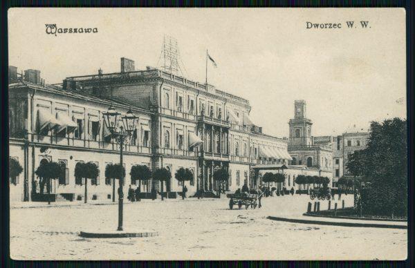 Dworzec Wiedeński w Warszawie na pocztówce sprzed 1913 roku. To tutaj przyjechał pociąg wiozący Józefa Piłsudskiego.