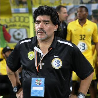 """Diego Maradona nazywany niegdyś """"bogiem futbolu"""" dziś jest kojarzony przede wszystkim z afer związanych z alkoholem i narkotykami."""