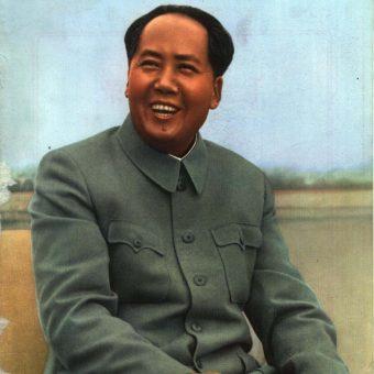 Atak Chruszczowa na Stalina postawił Mao w trudnej sytuacji.