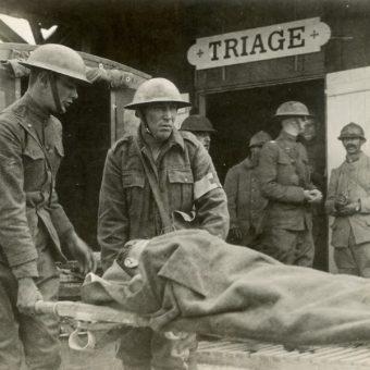 Żołnierze z czasów I wojny światowej (fot. domena publiczna)