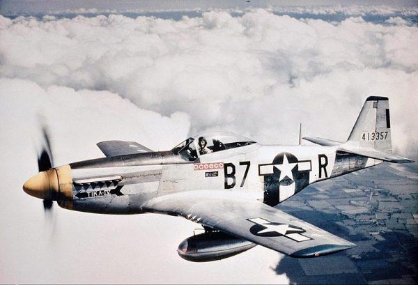 Polski pilot Józef Donocik zestrzelił pocisk V1, lecąc za sterami amerykańskiego myśliwca P-51 Mustang (na zdj. maszyna z 374 Eskadry Myśliwskiej United States Army Air Forces).