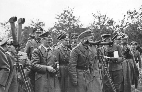 Rommel znalazł się w gronie ulubieńców samego Hitlera. Zdjęcie z 1939 roku.