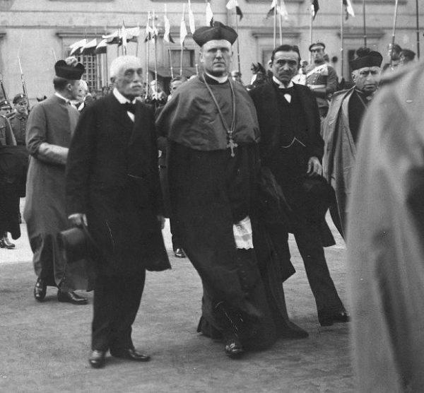 Członkowie Rady Regencyjnej powołanej za zgodą władz niemieckich Józef Ostrowski, Aleksander Kakowski i Zdzisław Lubomirski.