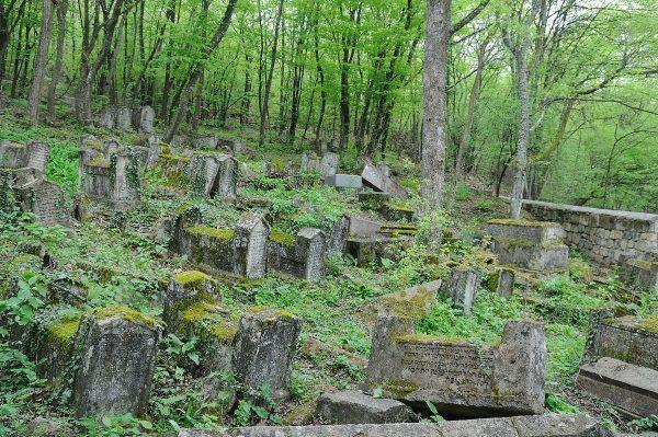 Karaimska nekropolia (fot. Jakub Szabelski, lic. CCA SA 3.0)