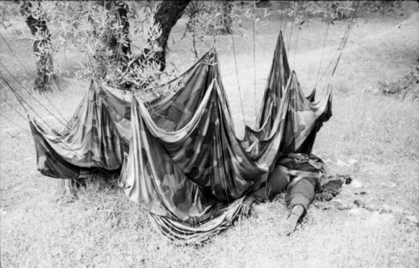Mimo że operacja Merkury zakończyła się sukcesem, to jednak niemieccy spadochroniarze ponieśli dotkliwe straty.