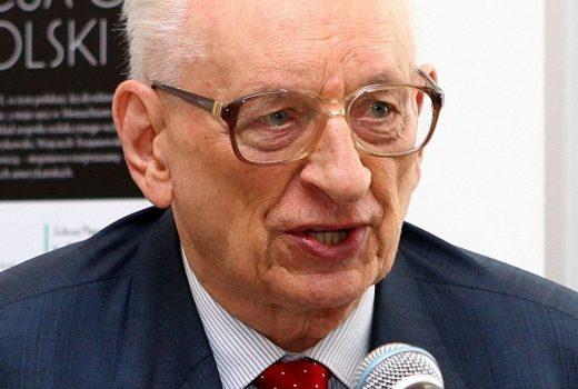 """Muzyk nazwał Bartoszewskiego """"bydlakiem"""" w związku z niepochlebną opinią, jaką 11 lat temu wyraził profesor na temat Polski."""