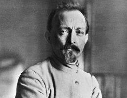 Jednym z organizatorów akcji był Feliks Dzierżyński, stojący na czele tajnej policji.