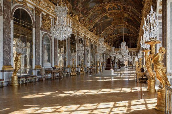 Najwspanialszy pałac w Europie to dzieło sztuki, ale też złota klatka - przekonują Radosław Gajda i Natalia Szcześniak.