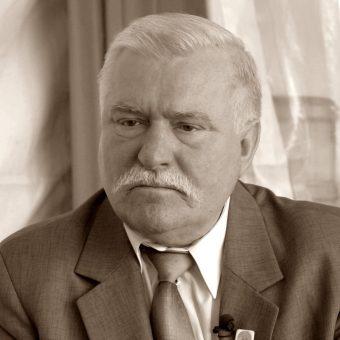Lech Wałęsa w 2009 roku (fot. MEDEF, lic. CCA SA 2.0 G)