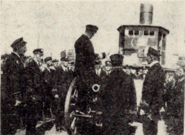 """""""Rożycki"""" tak jak ORP Stefan Batory (na zdjęciu) stanowił część Flotylli Wiślanej."""