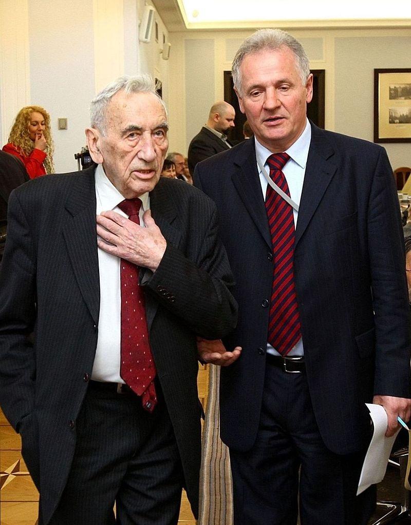 Tadeusz Mazowiecki i Zbigniew Bujak (fot. Kancelaria Senatu RP, lic. CC BY-SA 3.0 pl)