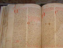 Manuskrypty sprzed lat kryją jeszcze wiele tajemnic. Zdjęcie poglądowe.