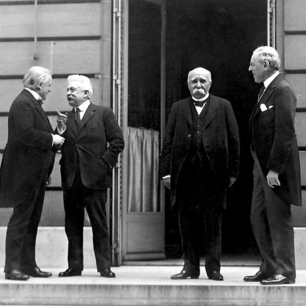 Ton paryskim obradom nadawała tak zwana Wielka Czwórka: David Lloyd George, Vittorio Orlando, Georges Clemenceau i Woodrow Wilson.