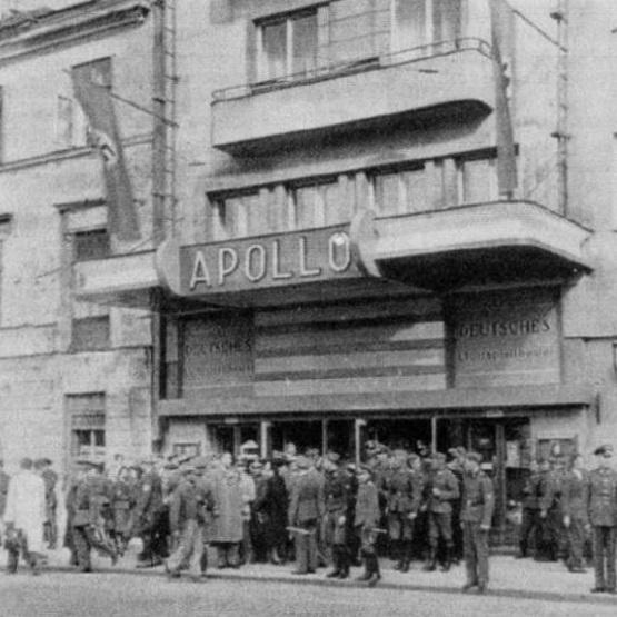 """Jeden z zamachów miał miejsce w warszawskim kinie """"Apollo""""."""