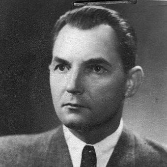 """Nad """"właściwym"""" przebiegiem wyborów czuwało Ministerstwo Bezpieczeństwa Publicznego , na którego czele stał Stanisław Radkiewicz."""