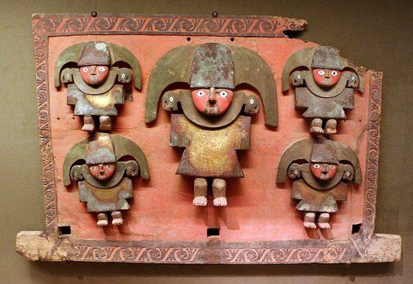 Zachowane i odtworzone przykłady wytworów ludu Chimú świadczą, że był on raczej rozwinięty.