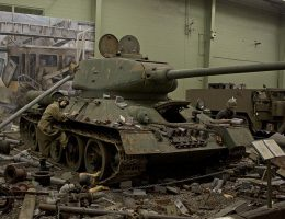 Diorama pokazująca T-34 (fot. Ryan Crieri, lic. CCA 2.0 G)