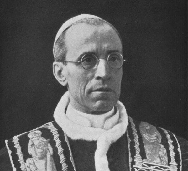 Pius XII uważał, że publiczne wystąpienie w obronie Żydów może im tylko zaszkodzić.