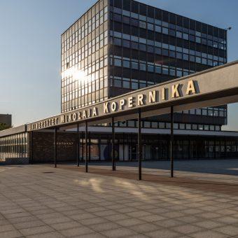 UMK w Toruniu (fot. Pko, lic. CCASA 4.0 I)