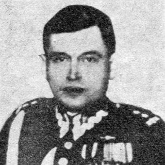 Podpułkownik dyplomowany piechoty Lucjan Stanek został za obronę Nowogrodu odznaczony orderem Virtuti Militari. Przyznano go jednak dopiero w 1972 roku.