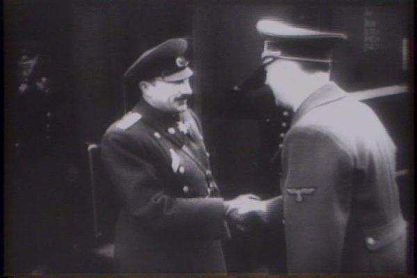 Bułgaria stanęła po stronie Hitlera, ale deportacje Żydów popierano tylko w niewielkim stopniu. Na zdjęciu car Borys III z Adolfem Hitlerem.