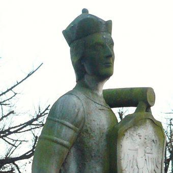 Pomnik Siemowita IV w Gostyninie.