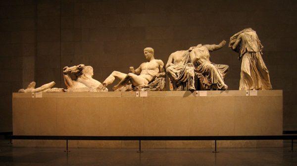 Marmury z Partenonu wystawione w Londynie (fot. Andrew Dunn, lic. CC BY-SA 2.0)