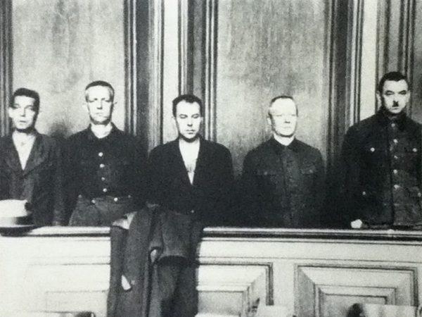 Tylko załoga obozu mogła liczyć na profesjonalną opiekę dentystyczną. Zdjęcie z procesu załogi Stutthof.