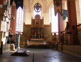 Wnętrze katedry Strängnäs, skąd ukradzione zostały klejnoty (fot. Riggwelter, lic. CC BY-SA 3.0)