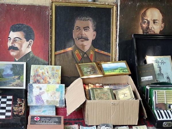 Stalin jest pamiętany jako zwycięzca II wojny światowej - jego zbrodnie pomija się milczeniem.