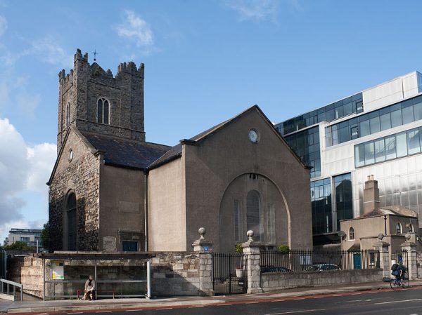 Ofiarą wandali padł kościół St. Michan w Dublinie.