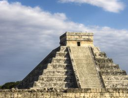 Naukowcy mają nadzieję, że znajdą tunel łączący jaskinię ze słynną piramidą Majów nazywaną El Castillo.