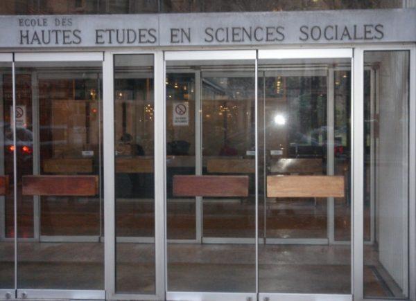 Organizator konferencji, École Des Hautes Études En Sciences Sociales, potępił zachowanie osób, które zakłóciły obrady 21 lutego.