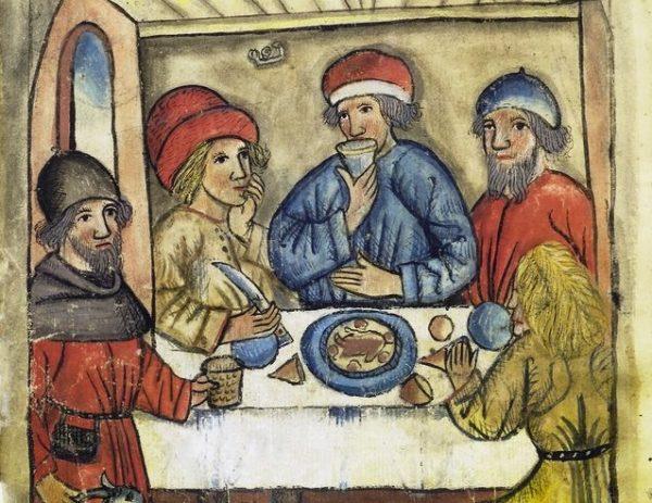 W domach mieszczańskich serwowano kilka potraw mięsnych, zupy i desery.