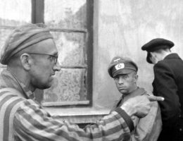 """Nie trzeba było popełnić żadnej zbrodni, by """"zasłużyć"""" na aresztowanie i uwięzienie w obozie koncentracyjnym."""
