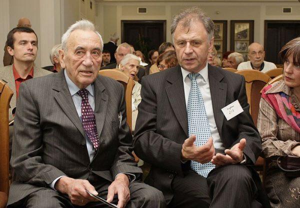Na mocy amnestii zwolniono m. in. Bogdana Lisa (z prawej).