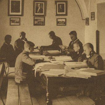 Międzywojenni uczniowie byli mocno obłożeni pracami domowymi.