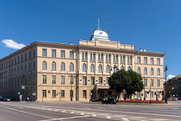 Swoje przeznaczenie Hryniewiecki odkrył podczas studiów w Instytucie Technologicznym w Sankt Petersburgu.