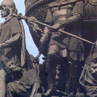 Mamaj u stóp Dymitra Dońskiego, Pomnik Tysiąclecia Rosji w Nowogrodzie.
