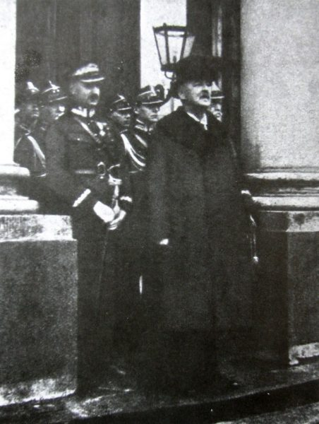 Gabriel Narutowicz po złożeniu przysięgi prezydenckiej.