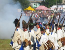 Rekonstrukcja bitwy w 2009 r. (fot. Bitwa pod Kunowicami, lic. CC BY-SA 3.0)