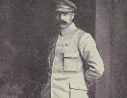Przed wybuchem I wojny światowej Piłsudski działał w ruchu oporu i zajmował się organizowaniem zamachów terrorystycznych.