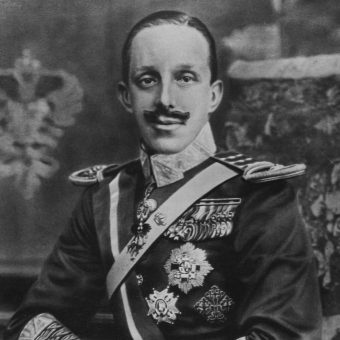 Alfons XIII urodził się po śmierci swojego ojca.