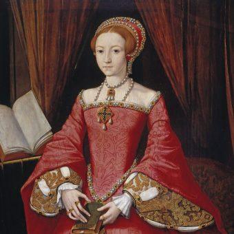 Elżbieta była ideałem urody w XVI-wiecznej Anglii. By upodobnić się do królowej, kobiety pudrowały się arszenikiem i nosiły rude peruki, które wywoływały krwotoki z nosa.